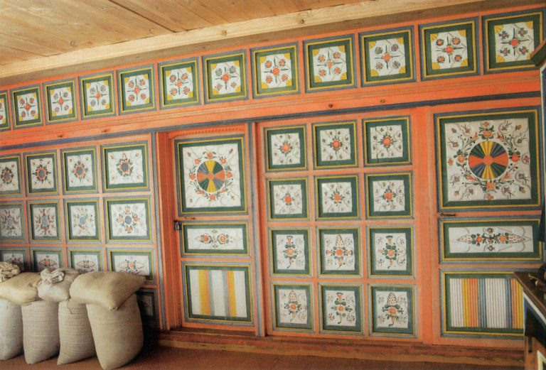 Zaborka (wooden partition wall) in the house of A. Nikitina. <br/>1907 year
