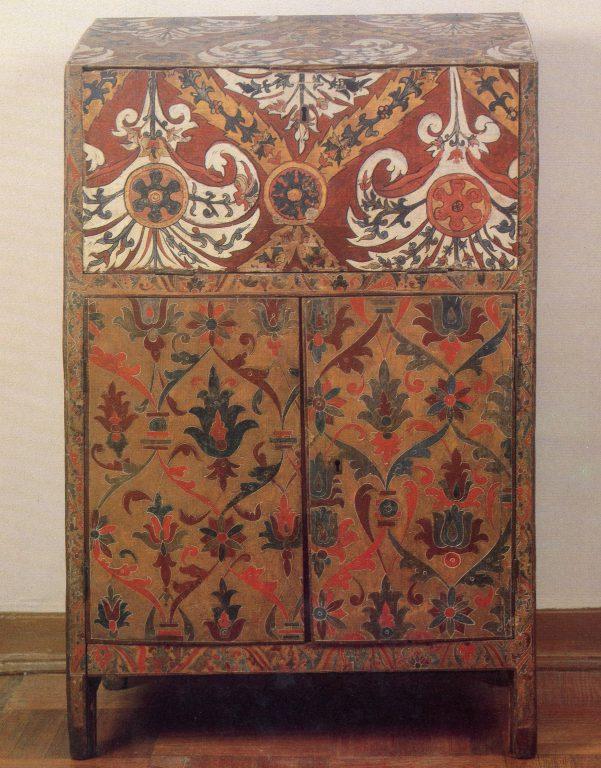 Свечной шкаф. <br/>17 век