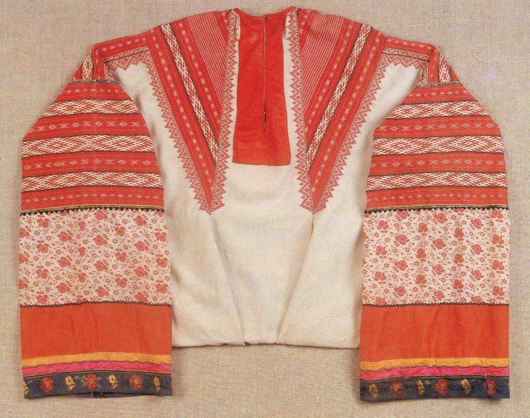 Women's shirt. <br/>19th century