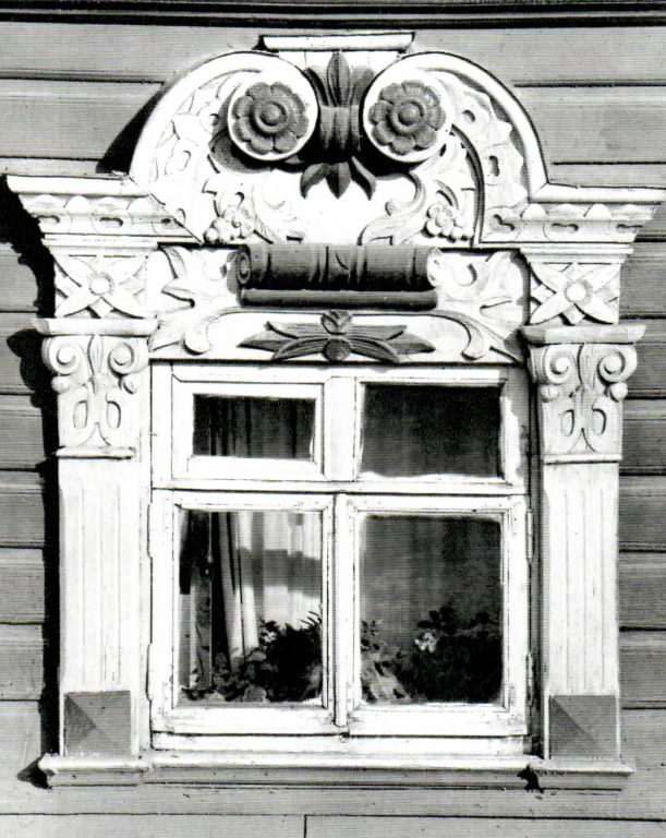 Window frame with a capital and rosette. <br/>Second half of 19th century - early of 20th century