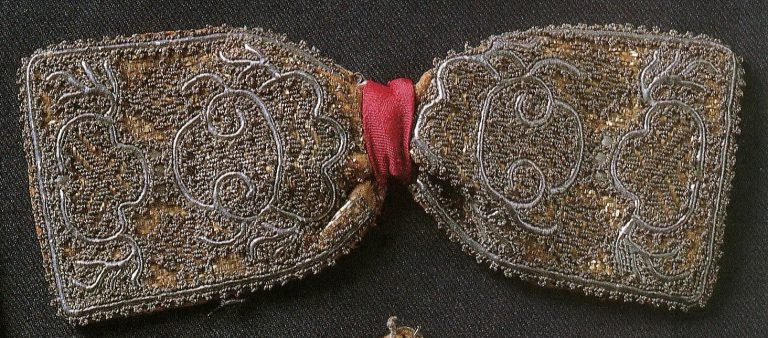 Unmarried girl's hair ornament. <br/>18th - 19th centuries