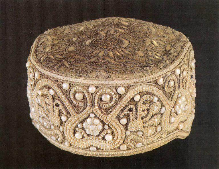Kokoshnik headdress. Late 18th century