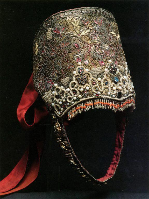 Unmarried girl's headdress. 18th century
