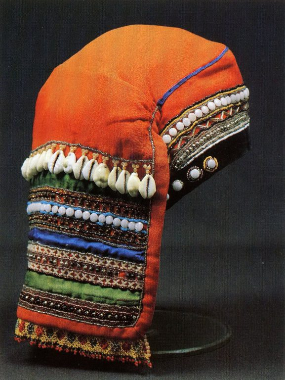 Woman's povoinik headdress with a back panel. <br/>Late 19th - early 20th centuries