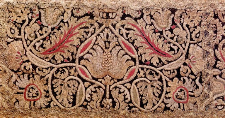 Sampler of gold embroidery. <br/>Second half of the 17th century