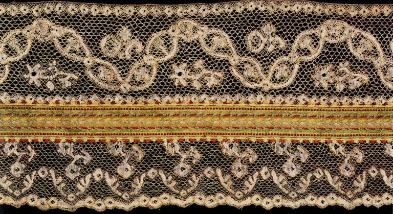 Fragment bed valance. Thread multicoloured lace. <br/>Late 18th century
