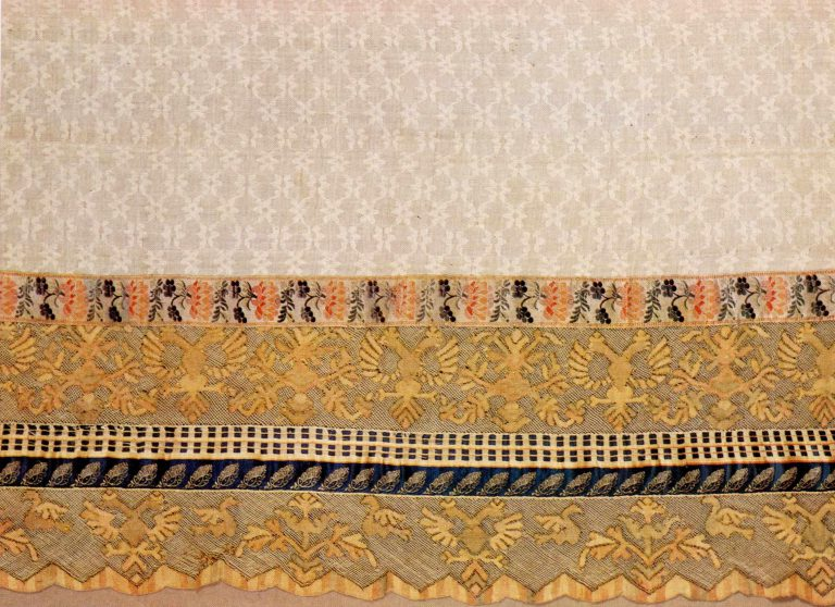 Edge of towel. Thread multicoloured lace. Late 18th or early 19th century
