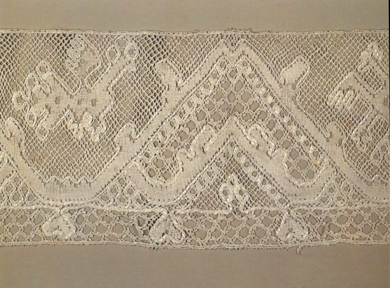 Edging. Detail. <br/>First half of the 19th century