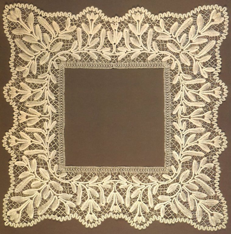 Handekerchief edging. <br/>Early 20th century