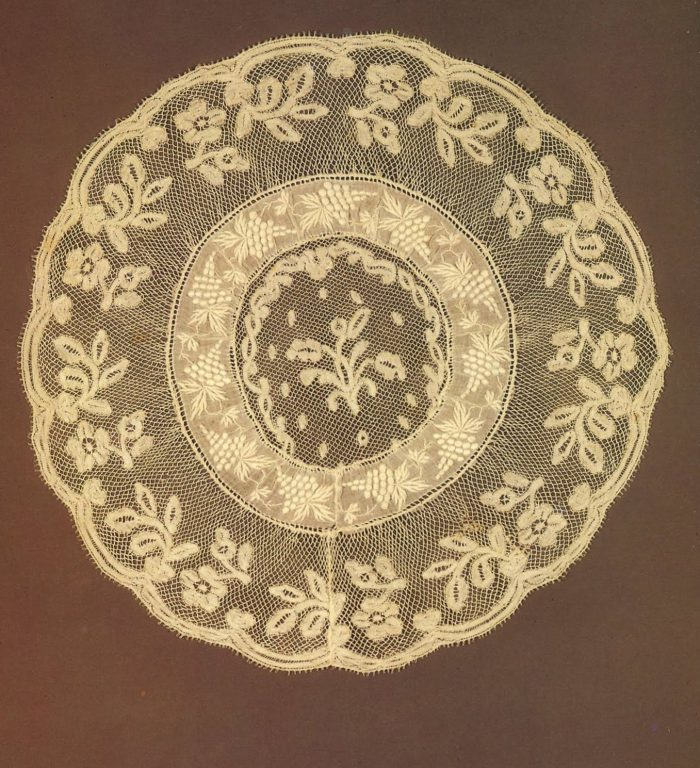 Doily. <br/>Late 19th - early 20th century
