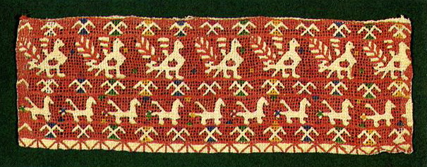 Peacock-hens on towel insertion (Kaluga). Late 19th century