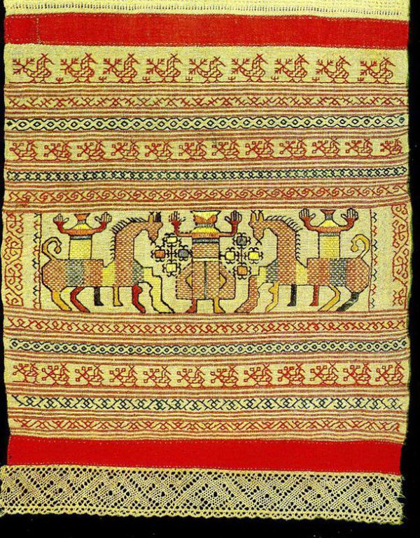 """""""Spring Welcome"""" motif on a Kargapol towel edge. <br/>Early 19th century"""