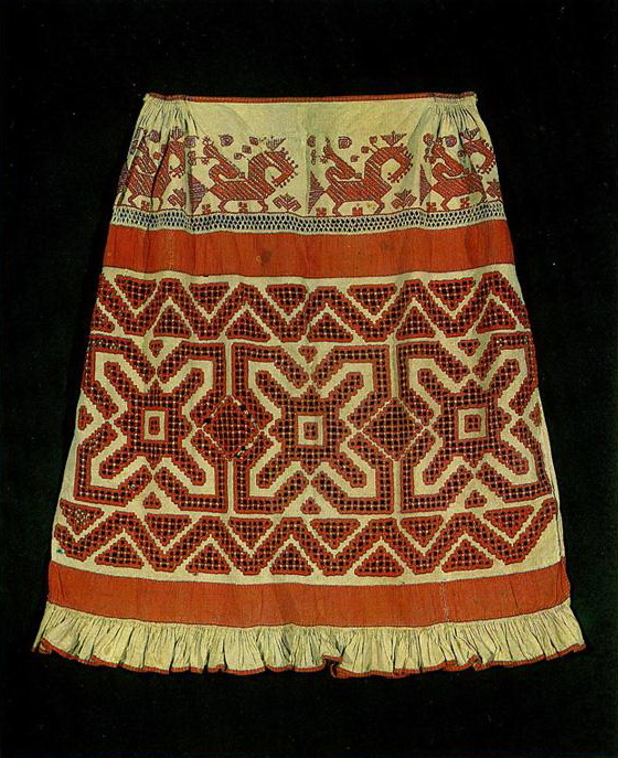 Tver apron with  solar signs, plant motifs and birds. <br/>Late 19th or early 20th century