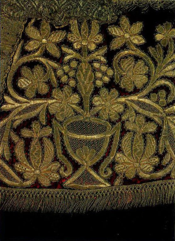 Gold embroidery techniques on dushegreya with plant motifs from Nizhny Novgorod. <br/>First half of   19th century