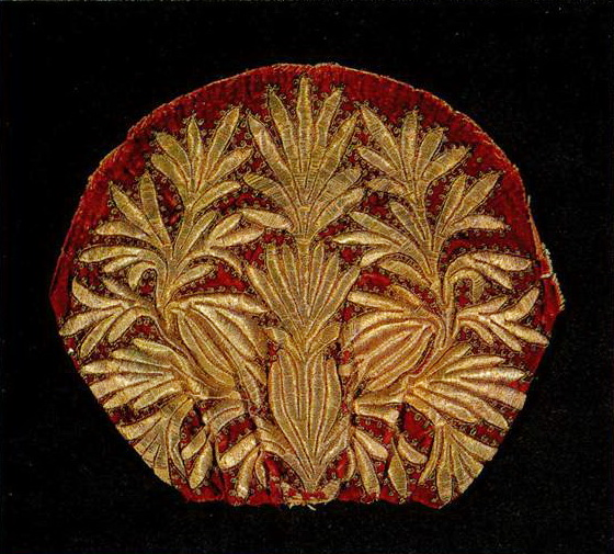 Detail of the woman's headdress with floral motifs. <br/>Late 18th or early 19th century