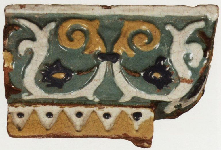 Relief polychrome corner tiles. <br/>1686 - 1688 years