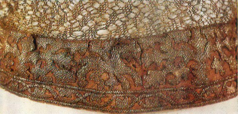 Женский головной убор - волосник. Деталь. <br/>16 век