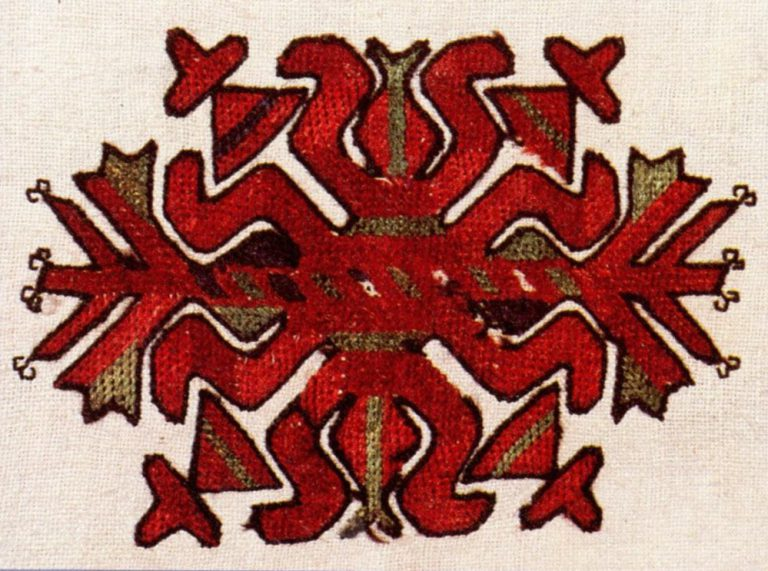 Shoulder embroidery of a shirt of the lower Chuvash
