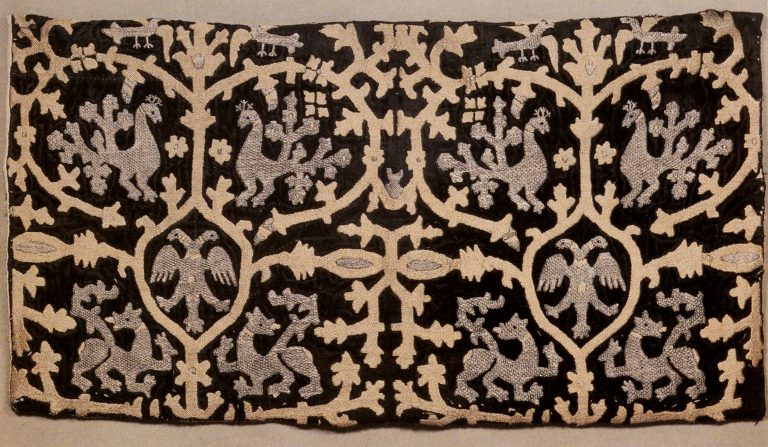 Gold embroidery sample. <br/>Late 16th century - early 17th century