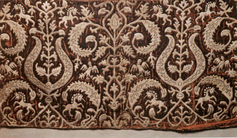 Деталь женской одежды - вошва. <br/>Конец 16 века - начало 17 века