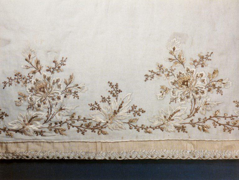 Подол бального платья. Фрагмент. Конец 18 века