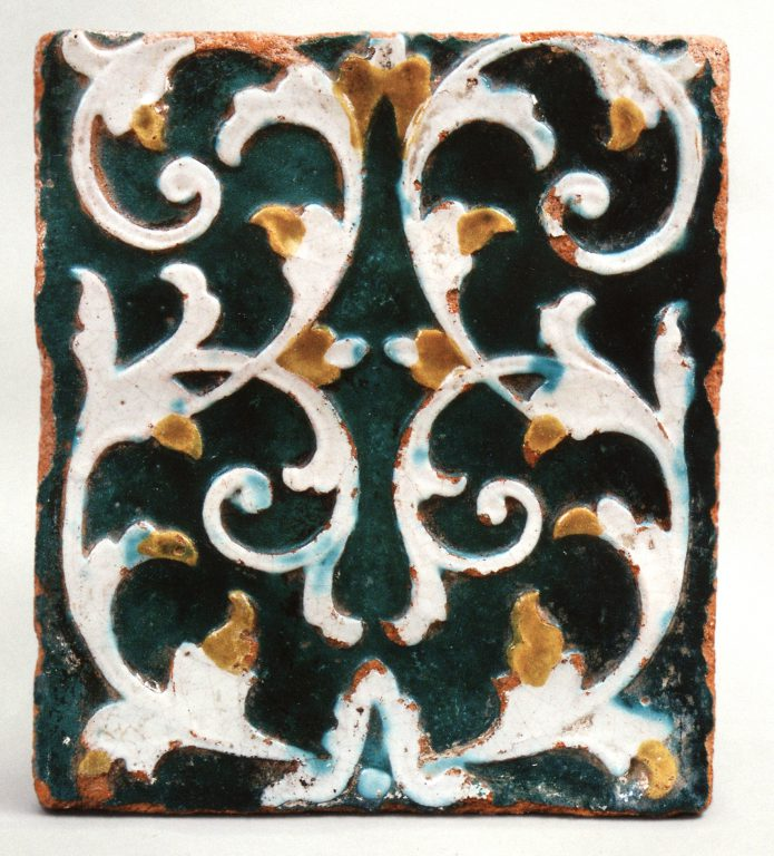 Multicoloured wall tile of the first half of the 18th century. <br/>First half of 18th century