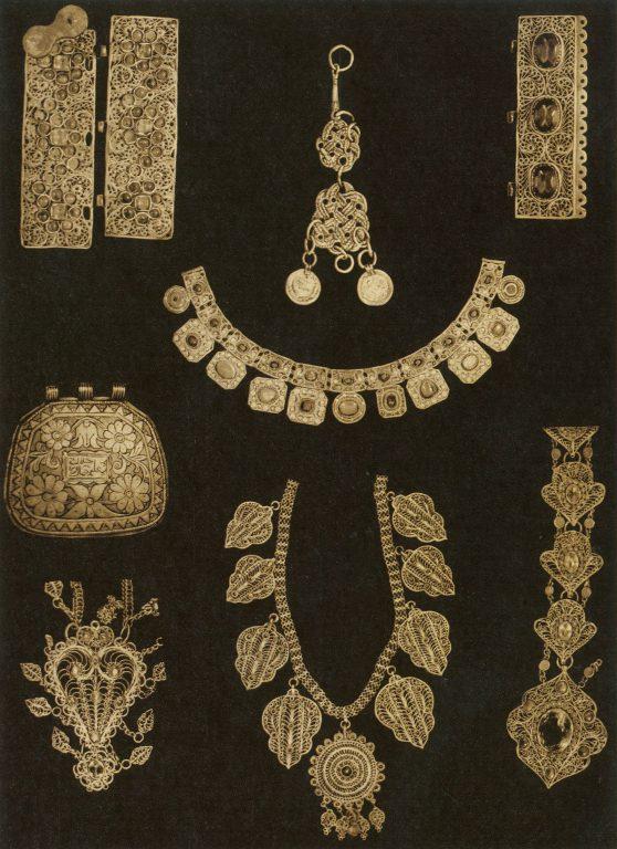 Ювелирные изделия: застежки, накосники, нагрудное украшение, коранница, шейное украшение, детали украшений. <br/>19 век