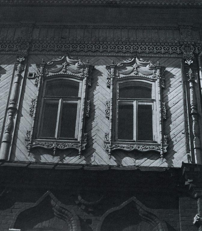 Фасад дома. Фрагмент. <br/>Конец 19 века - начало 20 века