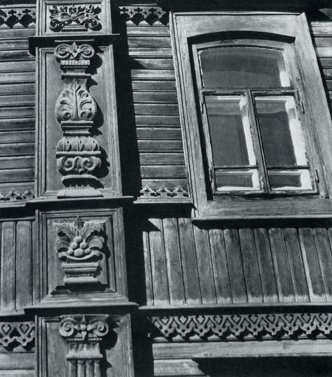 Carved pilasters. <br/>Late 19th century - early 20th century