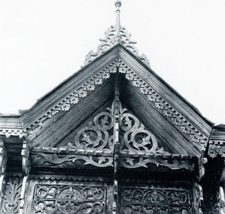 Фронтон дома. <br/>Конец 19 века - начало 20 века