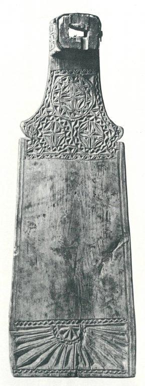 Distaff board for comb. <br/>19th century