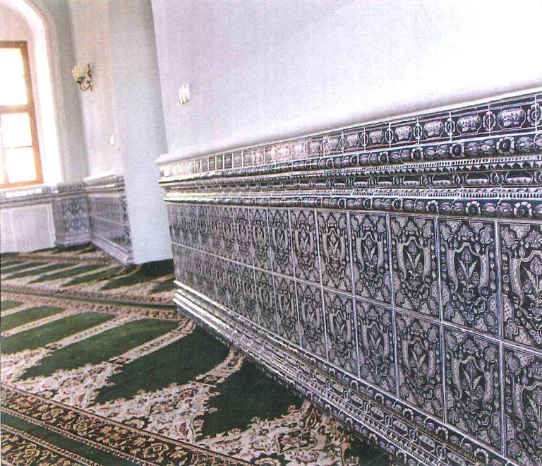 Изразцовая панель молельного зала. <br/>1770 год