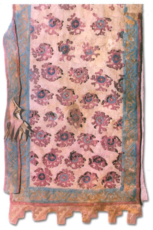 Felt saddlecloth with exotic flower ornament. <br/>4-3 century BC