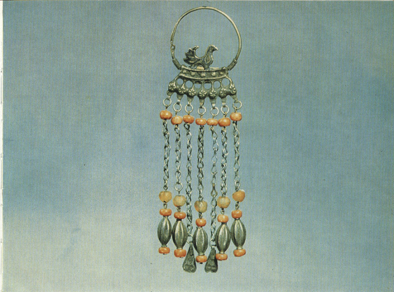Earring with charms. <br/>17th century