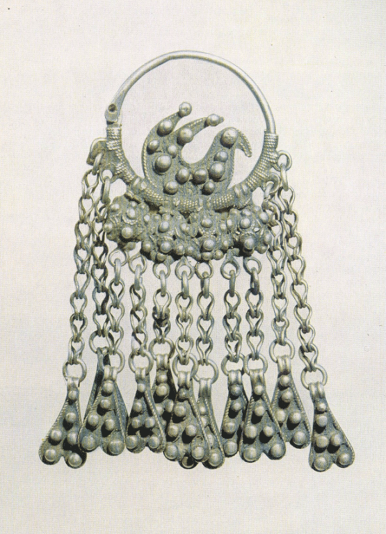 Earring with a bird. 19th century
