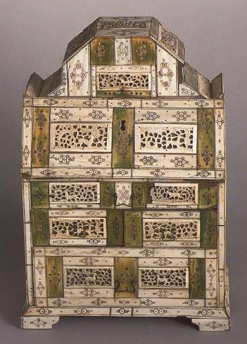 Bureau chest. <br/>1750 - 1770 years