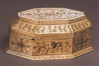 Jewelry box. <br/>Late 18th - early 19th century