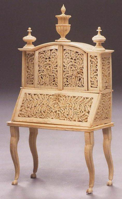 Шкафчик-бюро. <br/>19 век