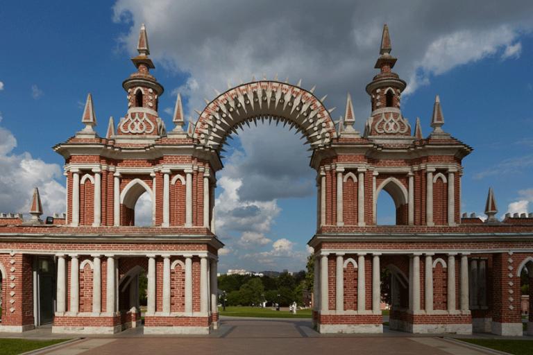 Галерея-ограда с воротами. <br/>1782 - 1785 годы