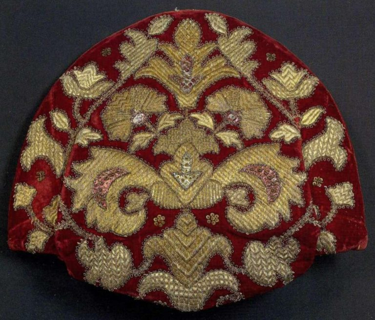 Kokoshnik, women's headdress. <br/>Late 18th - еarly 19th century
