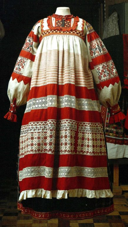 Festive clothes of a peasant woman. <br/>Late 19th - еarly 20th century