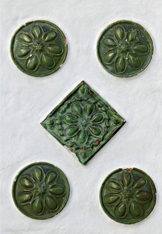 Details of tile decoration of the Church of the Nativity of Christ. <br/>1635 — 1644 years