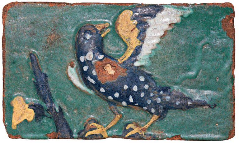 Изразец с изображением птицы-оглядыша. <br/>Вторая половина 17 века