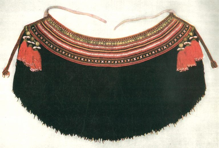 Pulai' (belt beaded decoration piece). Early 20th century