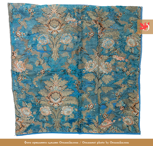 Silk fabric. <br/>18th century