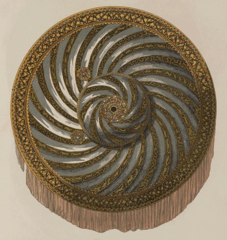Булатный щит с золотой насечкой