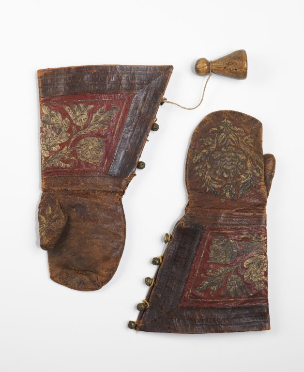 Mittens. <br/>late 17th century