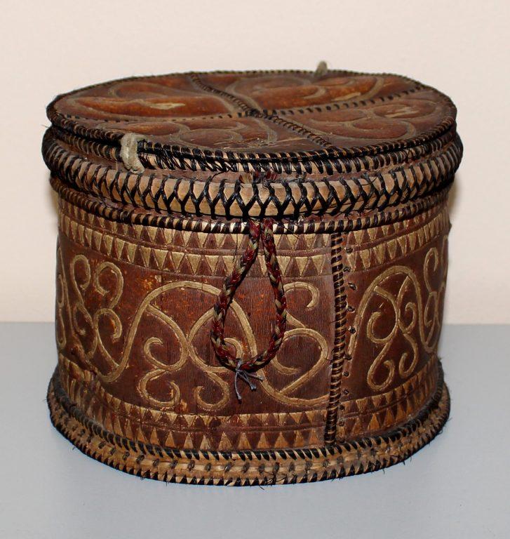 Коробка берестяная с крышкой