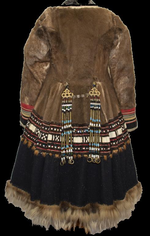 Женская одежда «толбонноок hаңыйак». <br/>1960-е годы