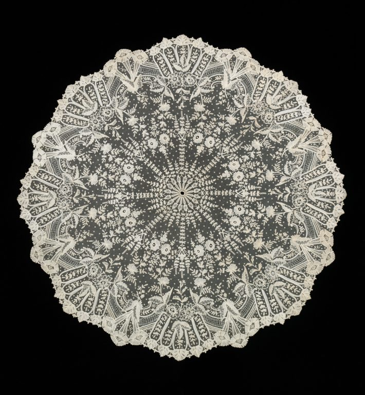 Parasol. <br/>1880-89